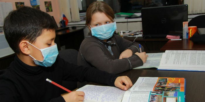 Управление образования и молодежной политики опубликовало приказ о продлении приостановления занятий для учеников